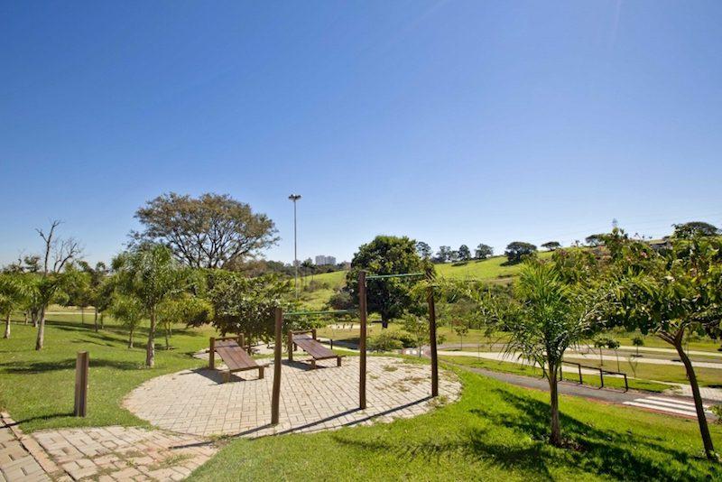 Foto da praça do bairro planejado Panamby Campinas